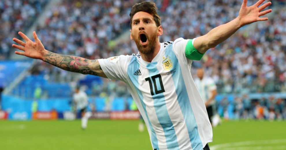 Argentina Vs Ecuador Live Streaming Watch World Cup Qualifier Online Ecuador video highlights are collected in the media tab for the most popular matches as soon as video appear on video hosting sites like youtube or dailymotion. argentina vs ecuador live streaming
