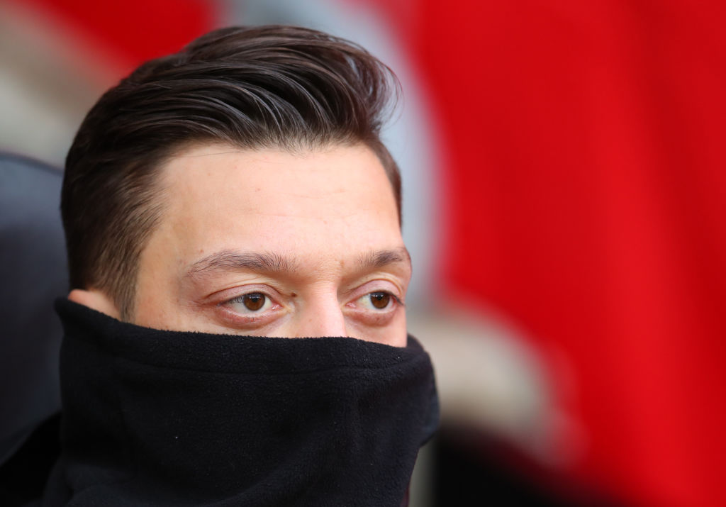 Mesut Ozil sends cryptic message to Arsenal fans