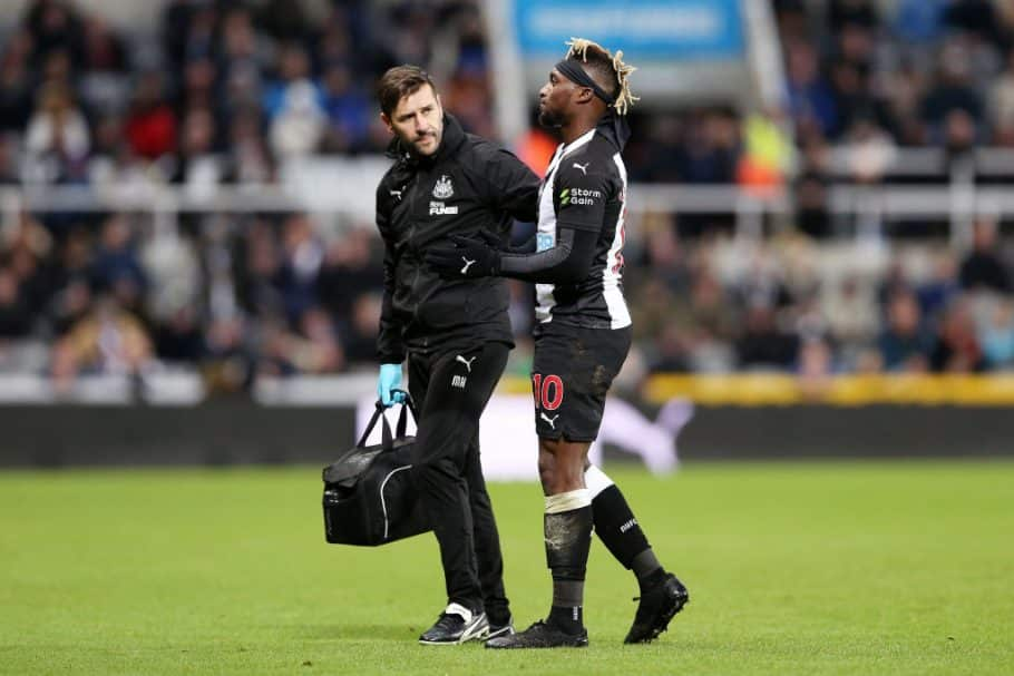 Allan Saint-Maximin jumps to defence of Sadio Mane after Liverpool fan asks Newcastle star to swap clubs