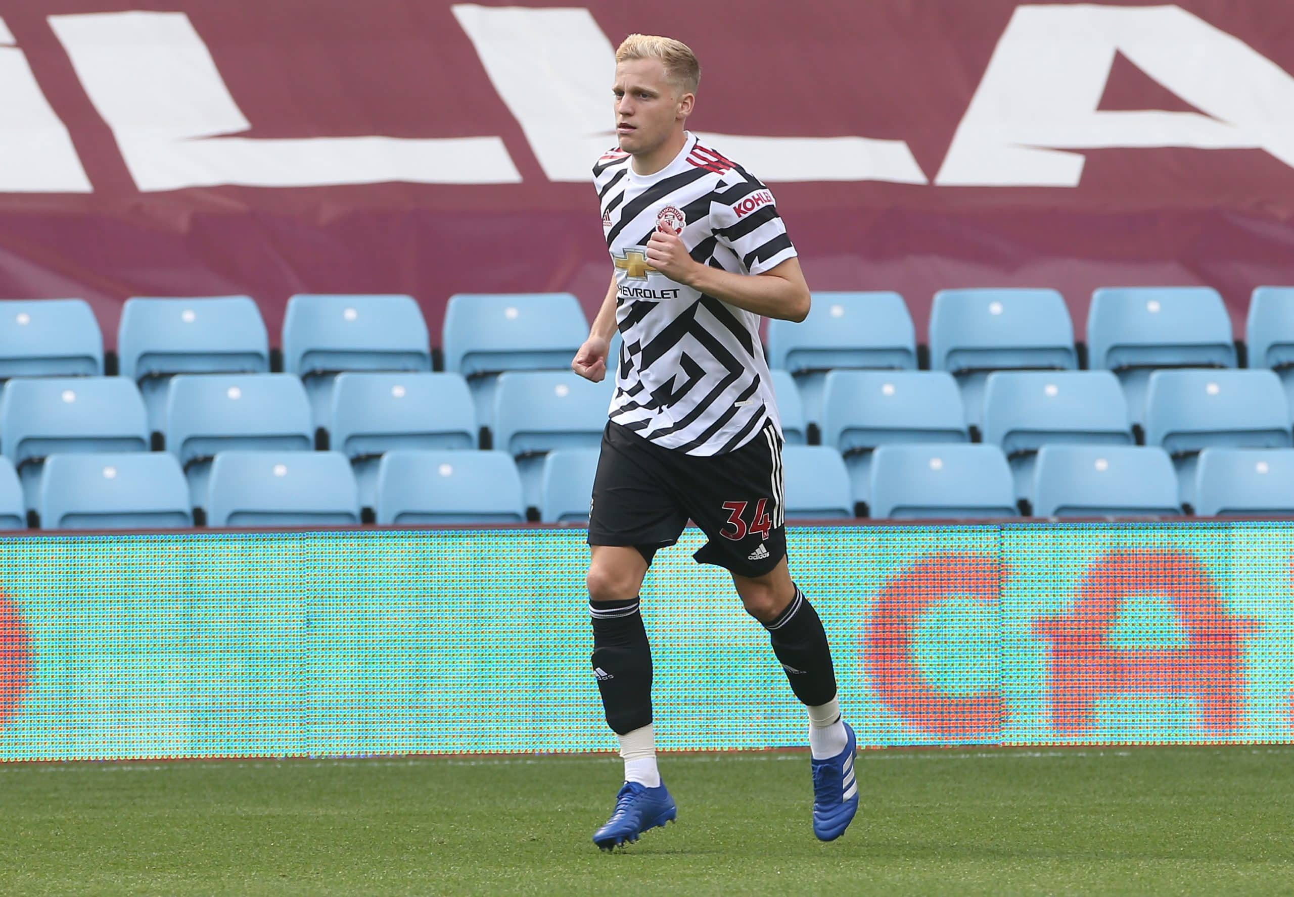 Donny van de Beek's agent hits out at Man United over Dutchman's role: 'A substitute; I don't like it at all' - 101 great goals