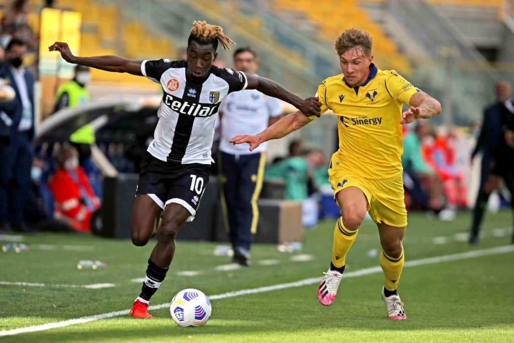 PARMA, ITALY - OCTOBER 04: Yann Karamoh of Parma Calcio competes for the ball with Matteo Lovato of Hellas Verona FC ,during the Serie A match between Parma Calcio and Hellas Verona FC at Stadio Ennio Tardini on October 4, 2020 in Parma, Italy. (Photo by MB Media/Getty Images)