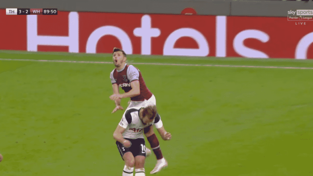 Kane, predictably ducks underneath the player and Creswell flies over him. (Source: Wyscout)