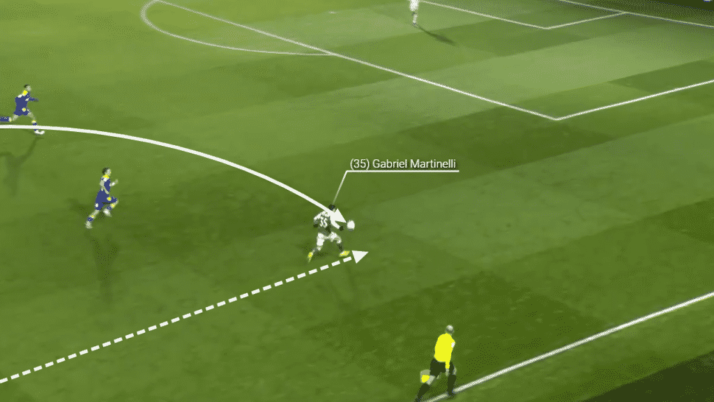 Martinelli is able to take the ball down with good control and continue his stride towards goal.